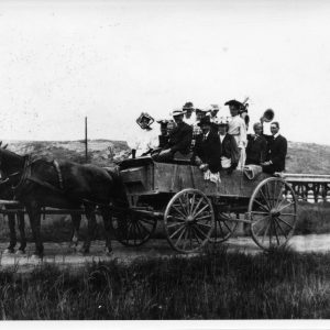 The Segerstrom Family on a group outing to Newport Beach in 1905.
